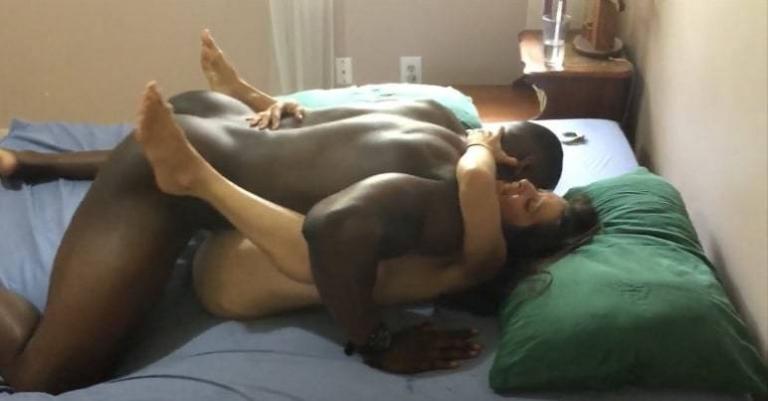 moglie trombata da negro